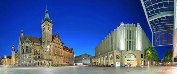 Chemnitz Marktplatz mit Rathaus und Einkaufszentrum