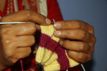 Hand knitting process