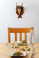 österreichische Kässpätzle auf einem Tisch