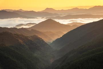 早朝の三越峠からの眺め