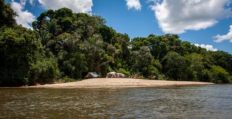 Angel Expedition mit Zelten im Regenwald von Südamerika