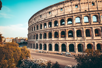 Fotomurales - The ancient Colosseum in Rome at sunset