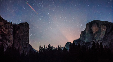 Milky Way over Yosemite, Yosemite National Park, California  Wall mural