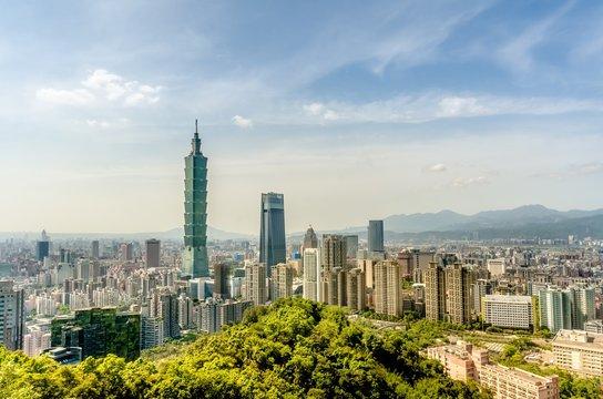 Taipei Cityscape from Elephant moutain (Xiangshan), Taipei, Taiw