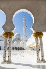 Foto op Aluminium Abu Dhabi Sheikh Zayed Grand Mosque in Abu Dhabi, the capital city of United Arab Emirates.