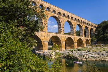Canoë sous le Pont du Gard