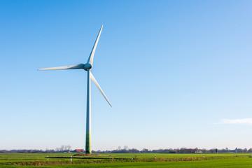 Windkraftanlagen zur ökologischen Stromversorgung sind in der windreichen ostfriesischen Küstenregion ideal zu betreiben.