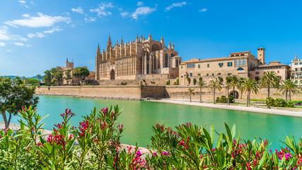 Wall Mural - Landscape with Cathedral La Seu, Palma de Mallorca islands, Spain