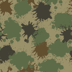 Vector seamless camouflage pattern with paint drops.