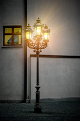 alte Laterne mit Lichtschein