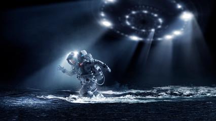 In de dag UFO Spaceman running fast. Mixed media