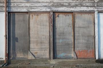 古い小屋の扉 Door of the old hut