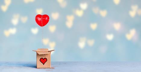 rotes Herz in der Geschenkebox