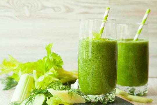 Fresh green detox smoothies