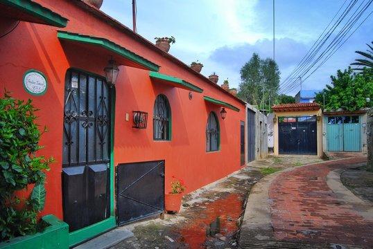 barrio antiguo de xochimilco oaxaca mexico