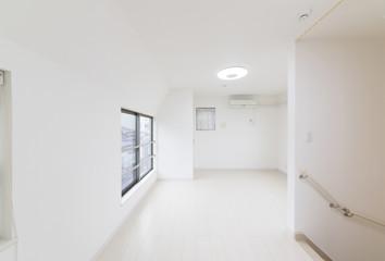 住宅 リビング 部屋 白い シンプル家具なし
