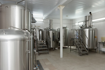 Beer-making tanks, small capacity brewery