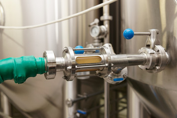 Stainless steel fitting, beer brewing equipment