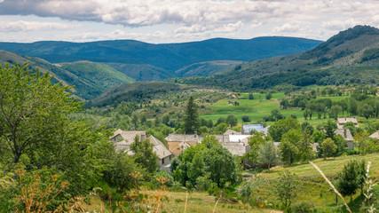 Paysages et village sur le Mont Lozère,Occitanie.