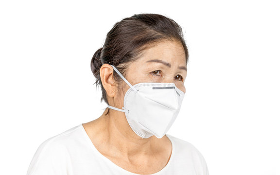 old woman wearing N95 face mask for healthy