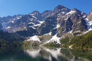 Foto op Aluminium Reflectie Lake in the mountains Morskie Oko Polska