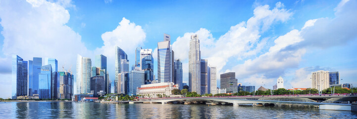 Photo sur Toile Singapoure central Singapore skyline. Financial towers and Esplanade drive bridge