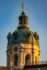 Grüne Kupferkuppel des Schloss Charlottenburg in Berlin