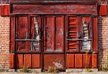 Vintage storefront in Saint-Viâtre