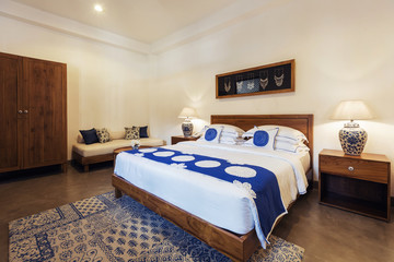 Interior design: Big modern Bedroom in luxury hotel