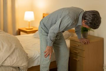 シニア男性 膝痛