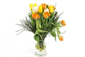Leicht angewelkte Tulpen in der Vase