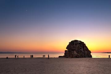 夕暮の稲佐の浜
