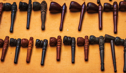 Collection of pipes and pipe smoking utensil