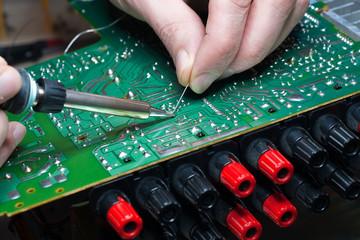 Elektronik-Reparatur: reparieren statt wegwerfen