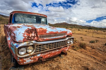 Photo sur cadre textile Route 66 Classic old truck in Route 66 in summer road trip