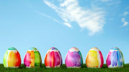 Bunte Wasserfarben Ostereier zu Ostern