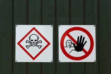 Dangerous Poison Warning Sign do Not Enter