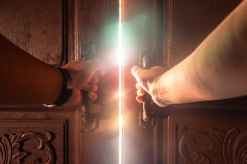 Hand open door light