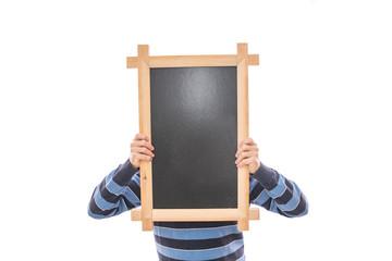 Mann hält Holzrahmen Tafel