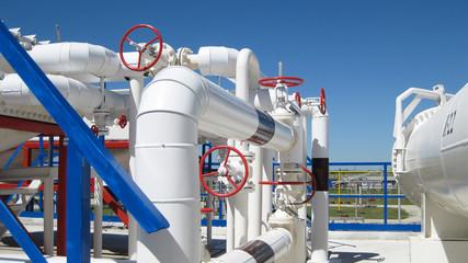 Oil refinery, primary oil refining