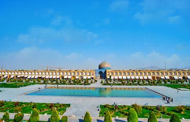 The fountain in Naqsh-e Jahan Square of Isfahan, Iran