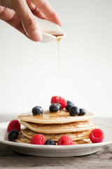 Fluffy Berry Pancakes