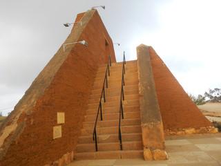 Construcción tipo pirámide