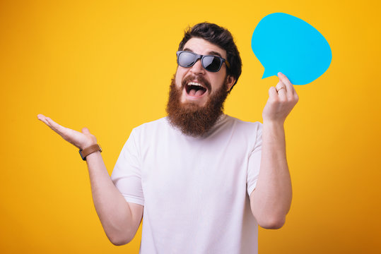 Share opinion speech bubble copy space. Men with beard mature hipster wear sunglasses. Explain humor concept. Funny story and humor.