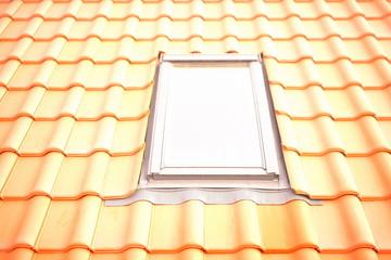 Dachziegel und neues Dachflächenfenster im Musterdach der Stadt eingebaut