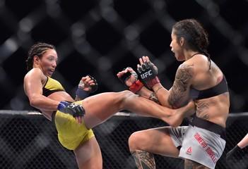 MMA: UFC Fight Night-Fortaleza-Santos vs Borella