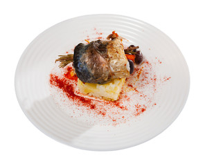 Tasty rolls-up of fillet of mackerel with olives and mashed potatoes