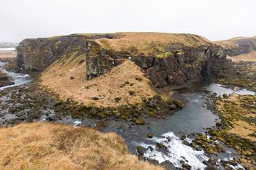 Canyon mit Fluss im Nationalpark Þingvellir, Island