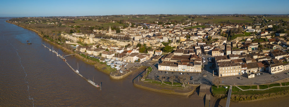 Aerial view, Bourg sur Gironde, site in Gironde, Aquitaine