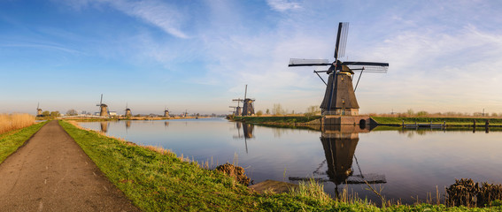 Deurstickers Rotterdam Rotterdam Netherlands, Panorama of Dutch Windmill at Kinderdijk Village